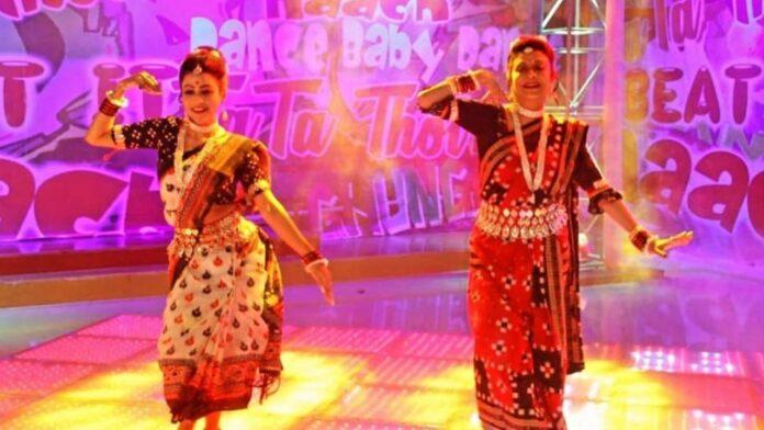 কলকাতার রসগোল্লা' অতীত! 'রঙ্গবতী' গানে নেচে মঞ্চ কাঁপালেন দেবশ্রী রয়! মুহূর্তেই ভাইরাল ভিডিও
