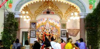 বনেদি বাড়ির দুর্গা পুজোর সাথে জড়িয়ে আছে নানা কাহিনি! শিবকৃষ্ণ দাঁ -এর বাড়ি